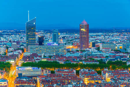 Night aerial view of Lyon dominated by Part Dieu commercial center, France Éditoriale