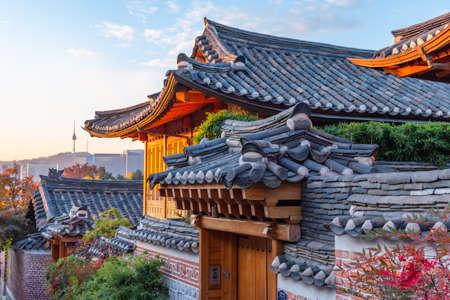 Namsan tower viewed from Bukchon hanok village in Seoul, Republic of Korea 스톡 콘텐츠 - 148422098