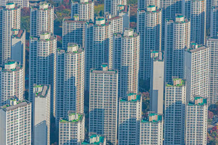 Skyline of residential buildings at Jamsil and Sincheondong districts in Seoul, Republic of Korea 版權商用圖片
