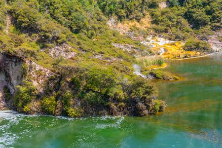 Frying pan lake and echo crater at Waimangu volcanic valley un New Zealand Stok Fotoğraf