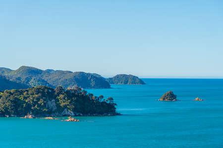 Aerial view of coastline of Abel Tasman national park in New Zealand Banque d'images