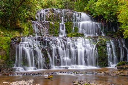 Purakaunui Falls at the Catlins region of New Zealand Standard-Bild