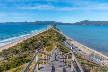 View of the Neck of Bruny island in Tasmania, Australia 版權商用圖片