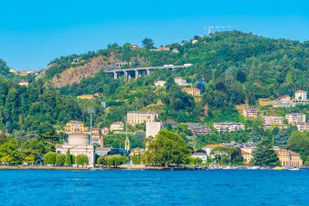 Tempio Voltiano on shore of lake Como in Italy Archivio Fotografico