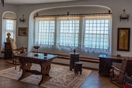 BALCHIK, BULGARIA, JULY 13, 2019: Interior of palace of Queen Maria in Bulgarian city Balchik Foto de archivo - 150039891
