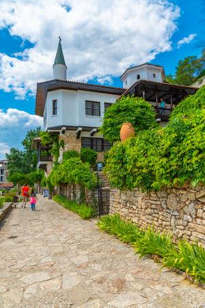 BALCHIK, BULGARIA, JULY 13, 2019: Palace of Queen Maria in Bulgarian city Balchik Foto de archivo - 150039909