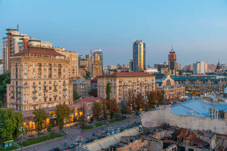 KYIV, UKRAINE, AUGUST 29, 2019: Aerial view of khreschatyk boulevard leading to Bessarabska marketplace in Kyiv, Ukraine 에디토리얼
