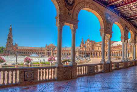 View of an arcade at Plaza de Espana in Sevilla, Spain 報道画像