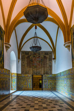 SEVILLA, SPAIN, JANUARY 7, 2016: view of a decorated chamber of the real alcazar palace in the spanish city sevilla. 新闻类图片