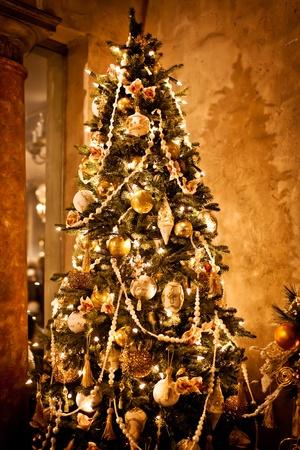 navidad elegante: �rbol de Navidad con adornos
