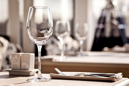 fine dining: Empty glasses