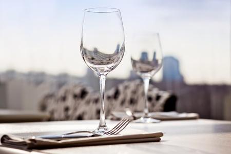 dining set: Empty glasses
