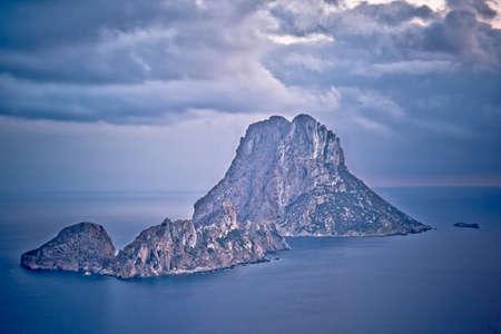es: Es Vedra at sunset in Ibiza