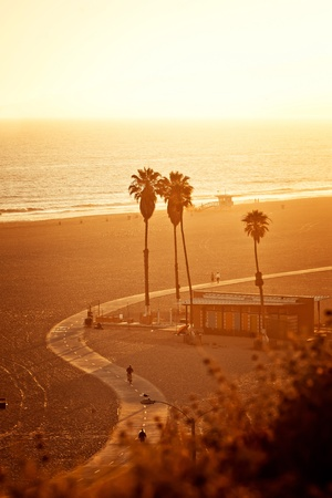 california coast: Puesta de sol en Santa Monica Beach