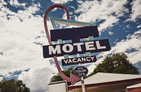 holidays vacancy: Old motel sign on Route 66, USA