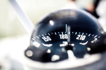 kompas: Námořní kompas na lodi Reklamní fotografie