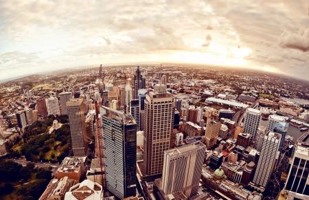 Widok z lotu ptaka centrum Sydney, Australia na zachodzie słońca. Zdjęcie Seryjne