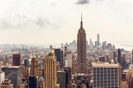 뉴욕시의 엠파이어 스테이트 빌딩과 맨해튼의 스카이 라인 공중보기 스톡 콘텐츠