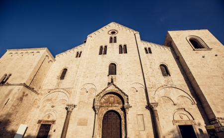 aviles: The Basilica of Saint Nicholas in Bari was built where previously was the residence of the Byzantine Governor of Italy