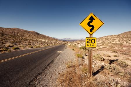 Verkeersbord op Death Valley National Park, Californië Stockfoto