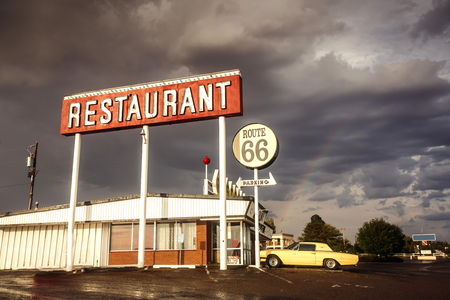 Restaurant sign along historic Route 66 in Texas. Vintage Processing. Standard-Bild