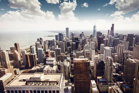 Chicago, Illinois en los Estados Unidos. Horizonte de la ciudad con rascacielos.