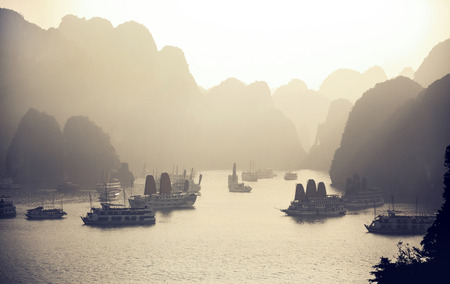 ha: Ha Long Bay, Vietnam