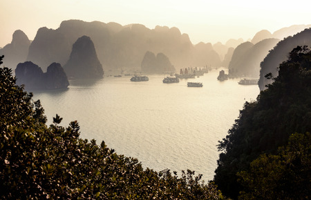 long bay: Ha Long Bay, Vietnam