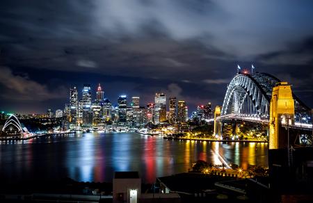 cenital: Puerto de Sydney y edificios del centro Foto de archivo
