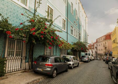 old houses: LISSABON, PORTUGAL - OCTOBER 17, 2015: Traditional old Lissabon houses on street, Portugal