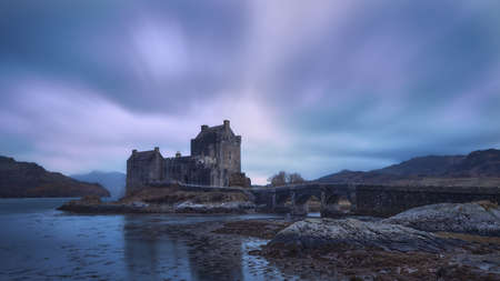 Historic castle and famous for its proximity to the Iska de Skye. Cold environment at low tide