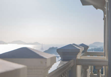Balcony and sea view under blue sky for use in presentations, manuals, design, etc. 免版税图像