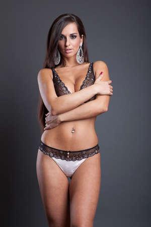 big boobs: moda atractiva chica sexy en ropa interior de encaje Foto de archivo