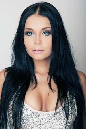 black hair blue eyes: portrait attractive brunette young girl with blue eyes
