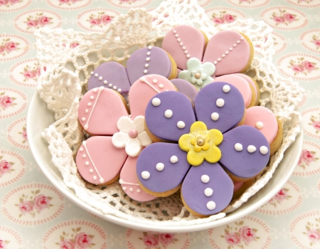 Cookies shaped flowers decorated photo
