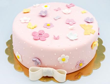 baptism: Torta nuziale decorata con fondente
