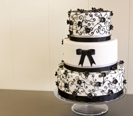cake with icing: Wedding cake decorated with fondant