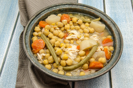 kitchen spanish: Chickpeas cooked with broth and vegetables