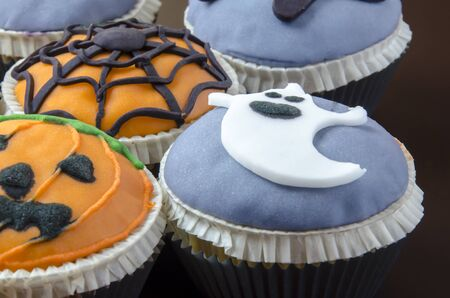 Halloween cupcakes decorated with fondant