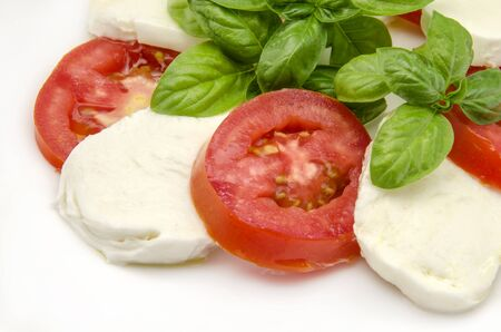 ensalada tomate: Ensalada Caprese con queso tomate y mozzarella