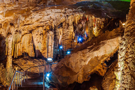 world natural heritage: Furong Cave in Wulong Karst National Geology Park, China, is the World Natural Heritage place it was named one of The Three Greatest Caves in the World