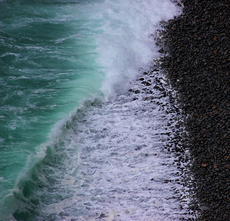 breaking waves photo