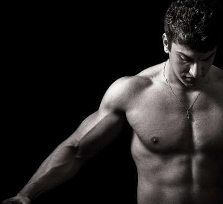 Muscular hombre con brazos fuertes y agradable abs  Foto de archivo - 3558928