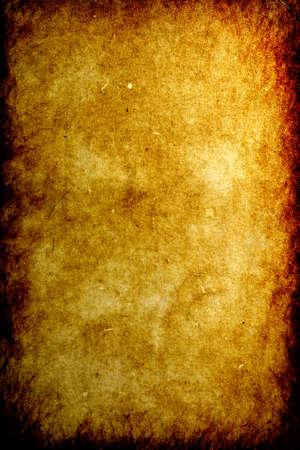 Témoin de vieux millésimes de papier brûlé sur les bords
