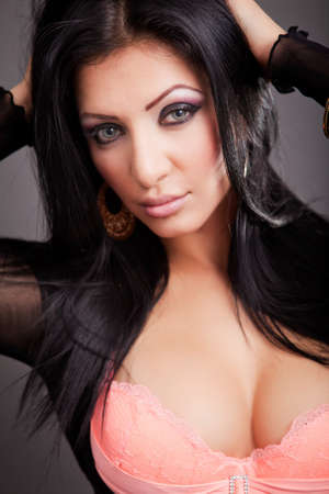 busty: Close-up portret van sexy sensuele rondborstige vrouw