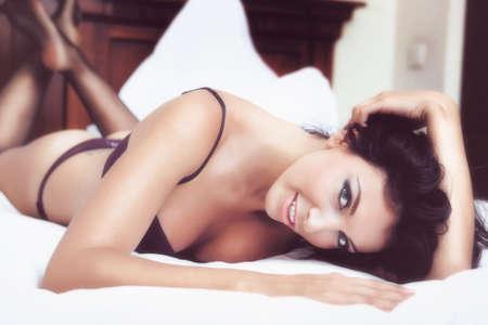Glamour Portrait - sexy schöne Frau in Dessous Standard-Bild