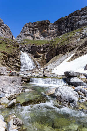 perdido: Cola de caballo - waterfall in the spanish national park Ordesa and Monte Perdido, Pyrenees Stock Photo