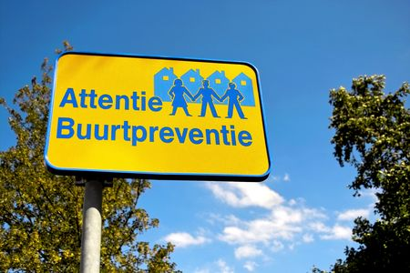 cease: Quartiere guardare avviso segno in Olanda