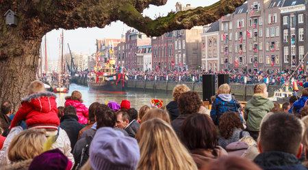 zwarte: DORDRECHT, THE NETHERLANDS - NOVEMBER 12, 2011: Boat of Saint Nicolas arrives in the harbor of Dordrecht for the parade with Zwarte Piet in the streets of Dordrecht