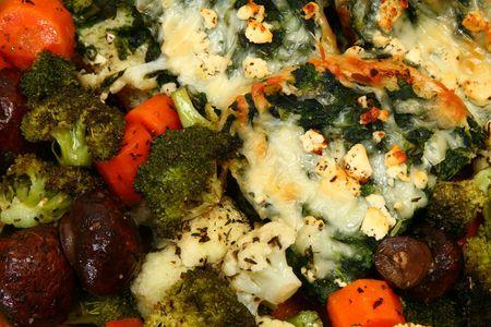 strata: Herb vegetali cotti al forno e spinaci feta strati di tessuto di fondo.